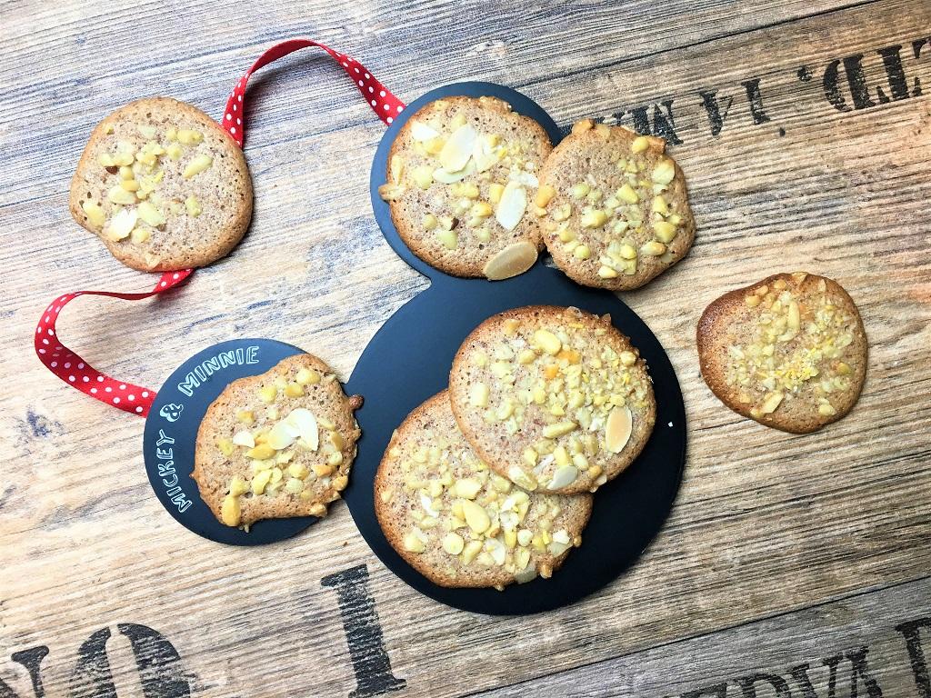 Kekse auf meinem liebsten Mickey Tablett