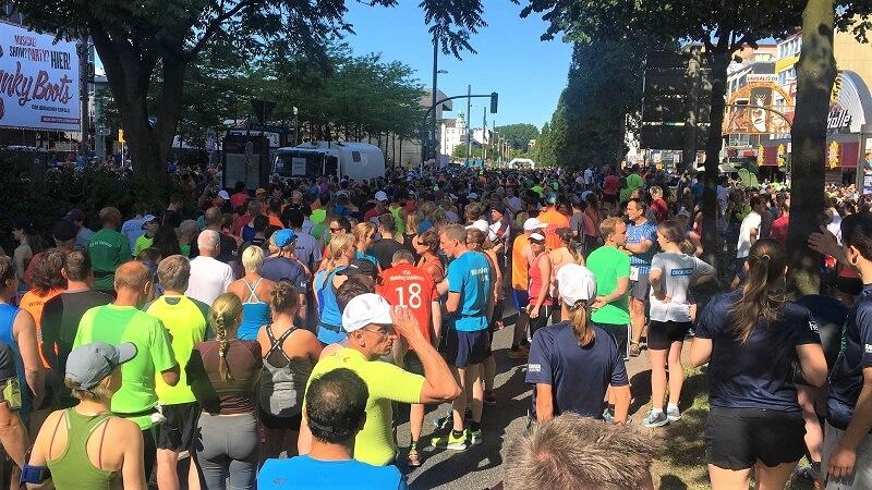 Massen an Läufern in der Vorbereitung
