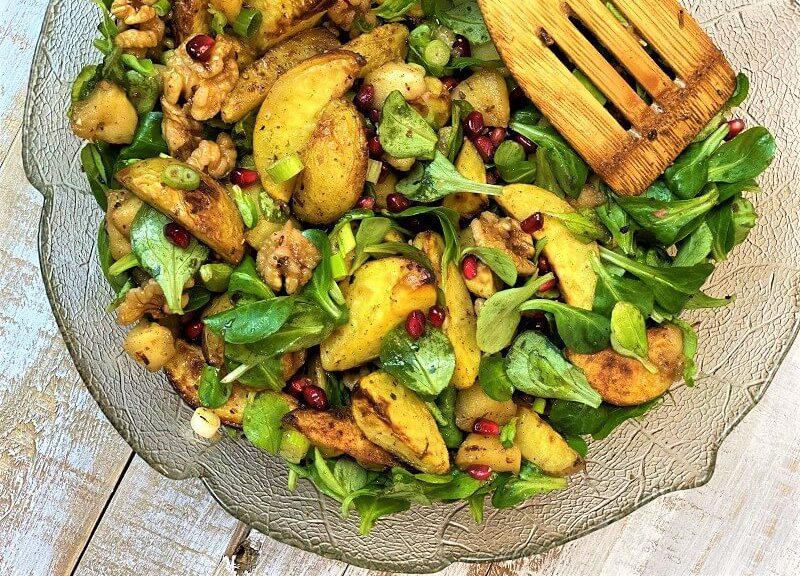 Fruchtiger, winterlicher Kartoffelsalat